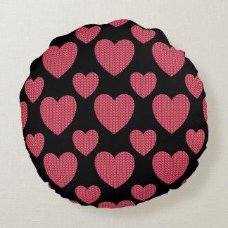 Cojín Redondo Diseño de punto rosado del corazón
