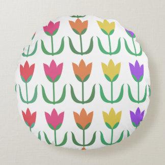 Cojín Redondo Filas coloridas de los tulipanes de la primavera
