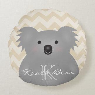 Cojín Redondo Monograma mimoso lindo del oso de koala del bebé