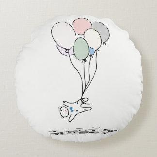 Cojín Redondo Vuelo del oso del bebé del dibujo animado con los