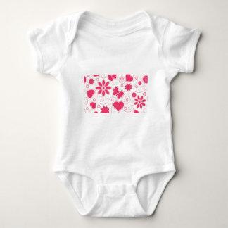 Colección de los corazones y de las flores de Emma Camisetas