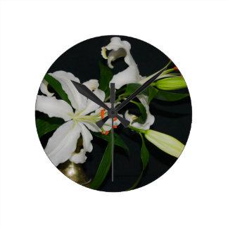 Colección irlandesa del Diseño-Latón y de la flor Reloj Redondo Mediano