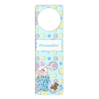Colgador Para Puerta Conejito dulce del bebé en puntos azules
