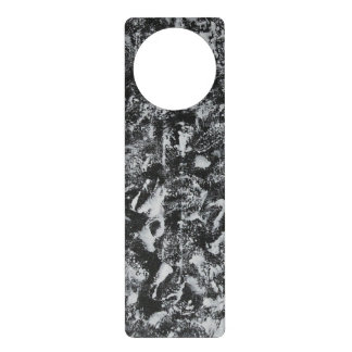 Colgador Para Puerta Tinta blanca en el fondo negro #1
