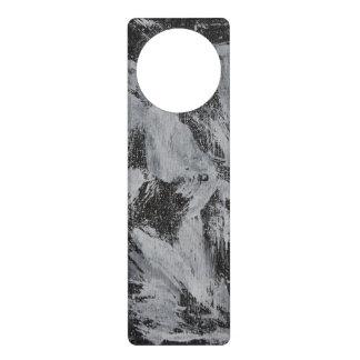 Colgador Para Puerta Tinta blanca en el fondo negro #5