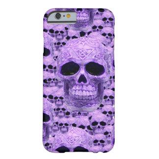 Collage púrpura céltico del cráneo funda para iPhone 6 barely there