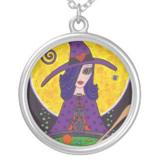 Collar atractivo de Halloween de la bruja