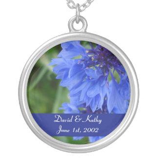 Collar azul de la flor del Cornflower