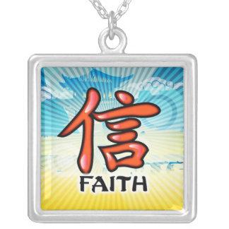 Collar chino del símbolo de la fe