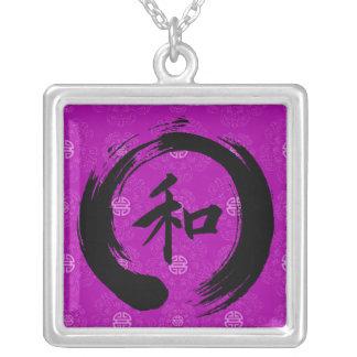 Collar chino del símbolo de la paz