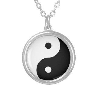 Collar chino del símbolo de Yin Yang Tai Ji