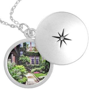 Collar Con Colgante Boston mA - Jardín ocultado