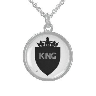 Collar coronado de la plata esterlina de rey
