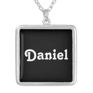 Collar Daniel