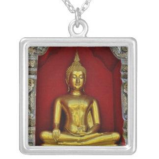 Collar de Buda del oro