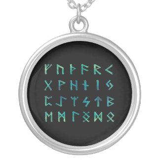Collar de las runas