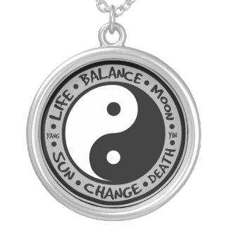 Collar de los significados de Yin y de Yang