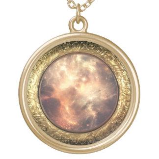 collar de oro de la nebulosa