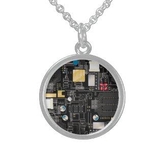 Collar De Plata De Ley Placa de circuito negra