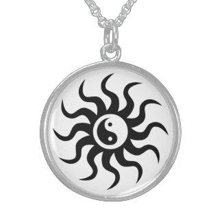 Collar De Plata De Ley Símbolo de Yin-Yang/blanco y negro aztecas
