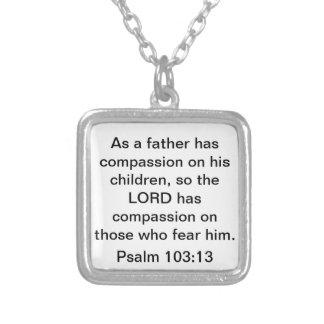 Collar del 103:13 del salmo del verso de la biblia