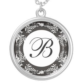 Collar del colgante de la letra B del monograma
