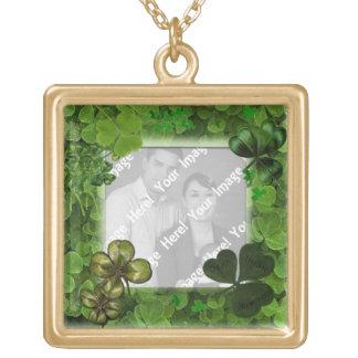 Collar Dorado Collar del día de St Patrick de la foto