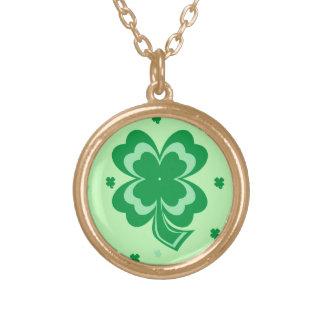 Collar del oro del día de St Patrick de los