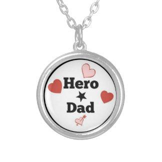 Collar del papá del héroe de HeroToken.com