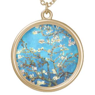 Collar Dorado Bella arte floreciente del árbol de almendra de