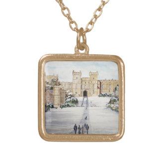 Collar Dorado Invierno en el castillo de Windsor por la pradera