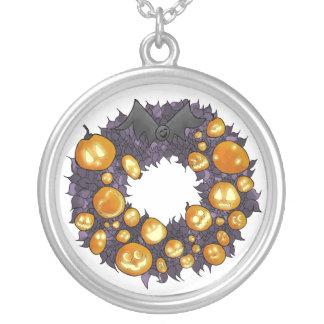 Collar espeluznante de la guirnalda del navidad