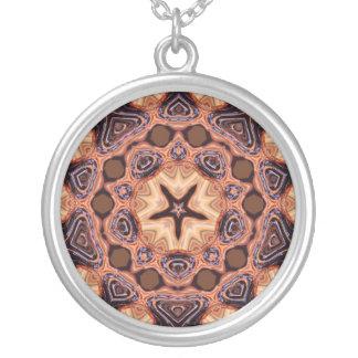 Collar geométrico de ChocStar