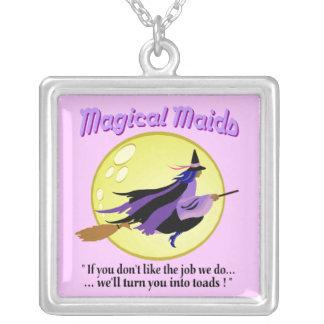 Collar mágico de la bruja de las criadas