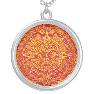 Collar maya/azteca del calendario