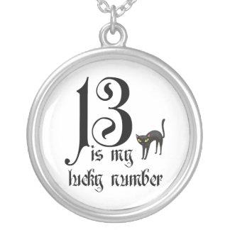 Collar Plateado 13 es mi número afortunado+gato negro