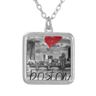 Collar Plateado Amo Boston