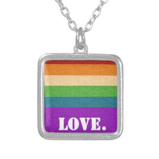 Collar Plateado Amor de LGBT