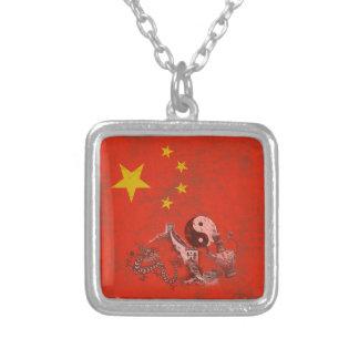 Collar Plateado Bandera y símbolos de China ID158