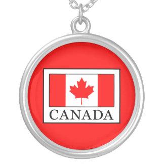 Collar Plateado Canadá
