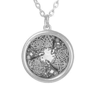 Collar Plateado Celtic, liebre de observación de la luna