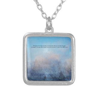Collar Plateado Cielo del rezo de la serenidad y extracto de los