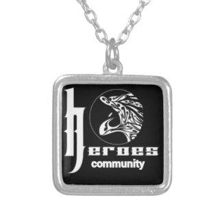 Collar Plateado Comunidad de los héroes