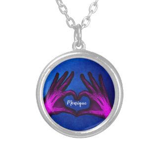 Collar Plateado Corazón púrpura de la radiografía de la mano