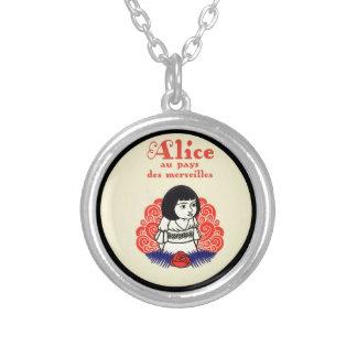 Collar Plateado Cubierta de libro de Alicia del francés