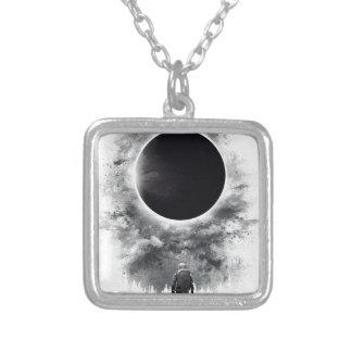 Collar Plateado Eclipse