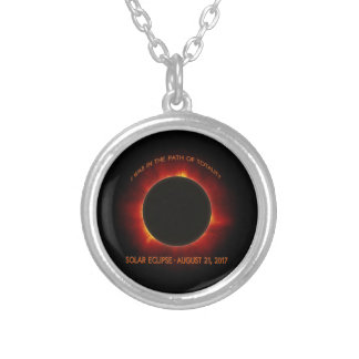 Collar Plateado Eclipse solar