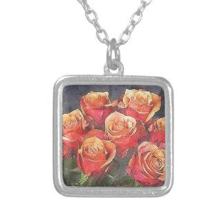Collar Plateado Ejemplo de los rosas rojos