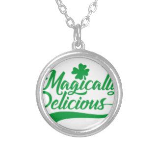 Collar Plateado El día de St Patrick mágico delicioso
