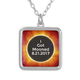 Collar Plateado El eclipse solar americano consiguió el 21 de